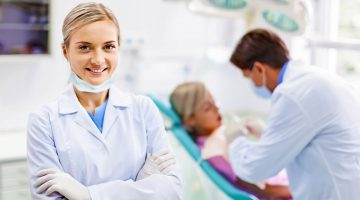 Dental Implants – Looking at the Types and Advantages